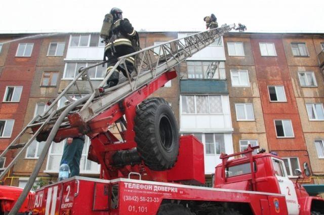 Пожар в многоэтажном доме произошел утром 2 августа.