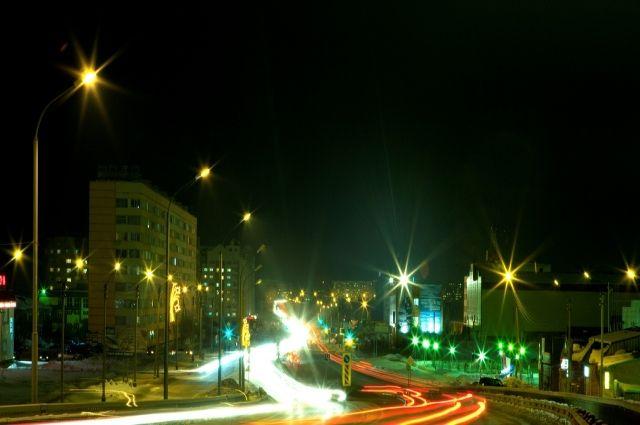 Уличные фонари в Новом Уренгое включат до 3 августа