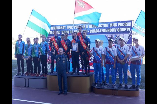 Ямальцы в числе победителей чемпионата по пожарно-спасательному спорту