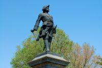 Даже памятник Петру Первому в Таганроге попадал под подозрение в заимствовании