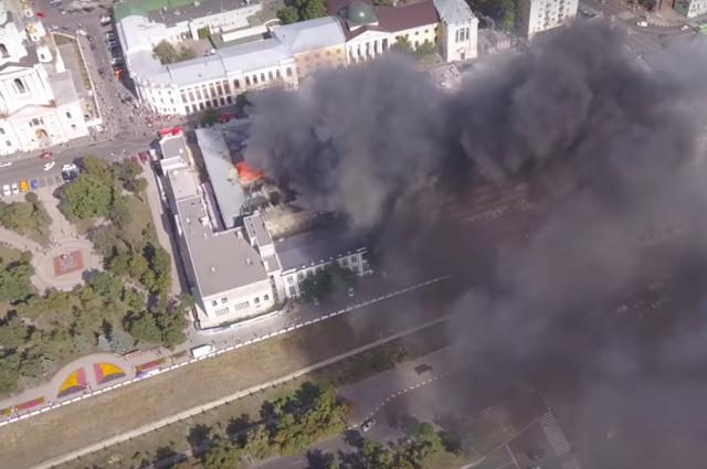 В Харькове загорелась академия: площадь пожара составляет полтора километра