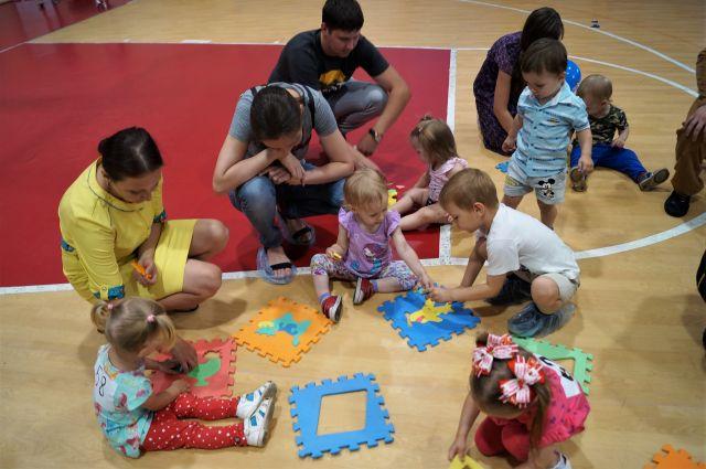 Стоит ли идти в развивающий центр, если ребёнку два-три года, или лучше подождать пару лет?