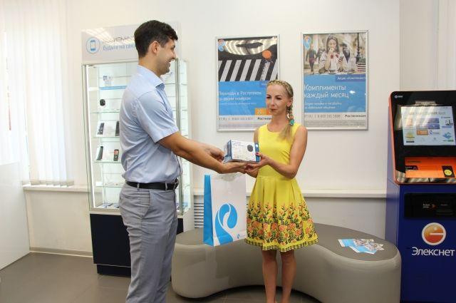 Ирина Кожевникова стала десятитысячным абонентом сотовой связи компании.