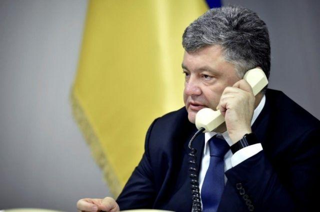 Порошенко пообщался с освобожденным из российской тюрьмы активистом АлександромКостенко