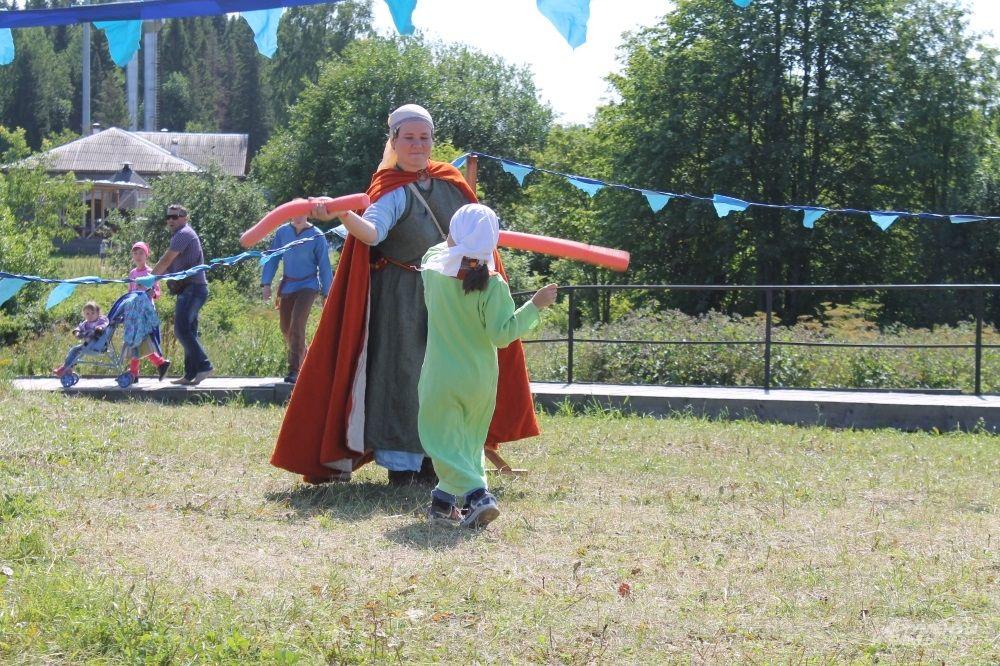 Неопытные бойцы сражаются на мягких мечах