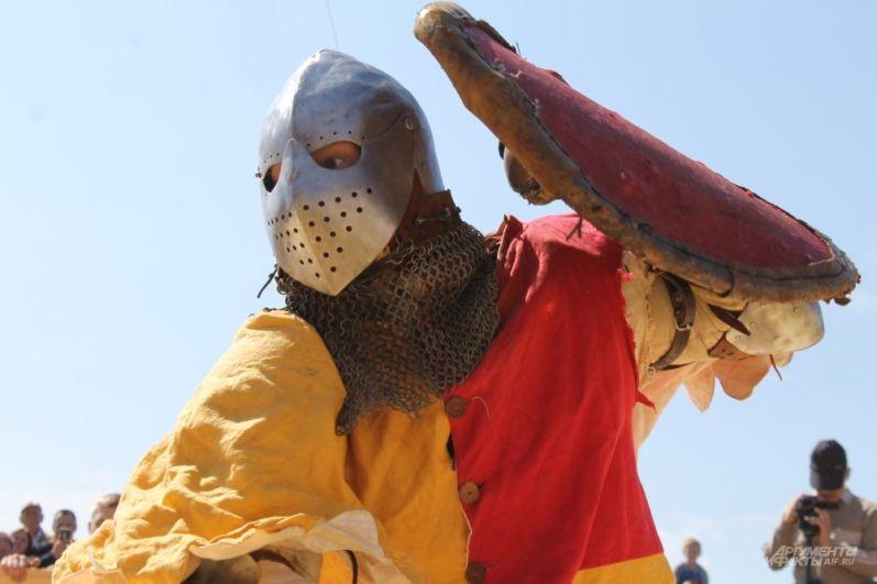 Рыцари сражались за звание сильнейшего.