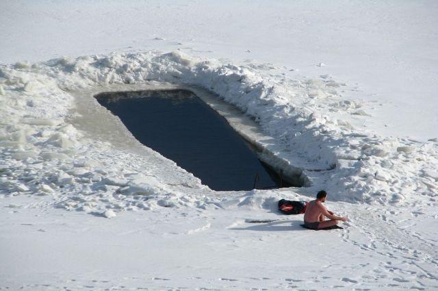 Тюменские «моржи» проплывут в ледяной воде Сахалина 35 километров
