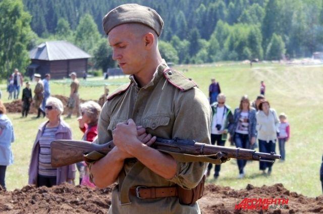 В рамках фестиваля состоялась реконструкция боя 1944 года.