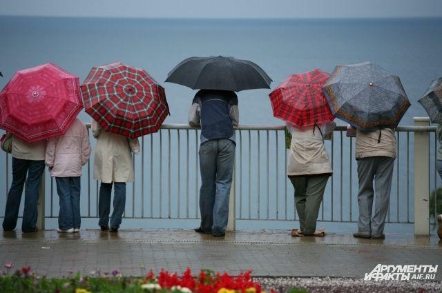 В Зеленоградске ко Дню города собирают старые зонтики.
