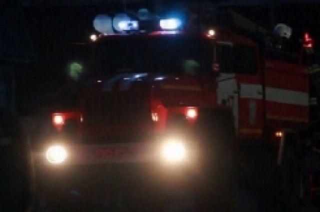 В п.Самородово огонь тушили четыре часа.