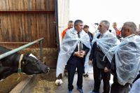 Александр Моор посетил сельхозкооператив «Таволжан» в Сладковском районе