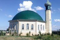 Неофитов из мечетей, конечно, не выгоняют. Однако относятся к ним с недоверием: люди, которые не имеют представления о традициях, могут быть источником больших проблем.