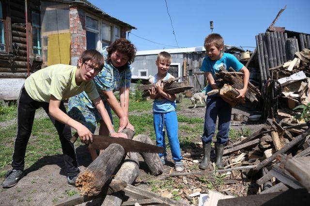 Участок можно использовать под строительство дома для большой семьи.