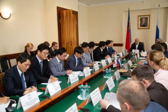 С представителями делегации встретился врио губернатора Сергей Цивилев.