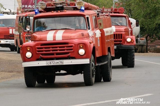 В Оренбургском районе полностью потушен крупный степной пожар.