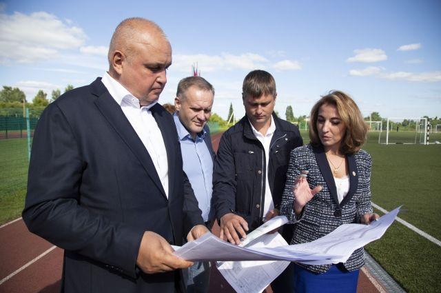 Врио губернатора поручил подготовить документы по реконструкции второй очереди стадиона «Суховский».