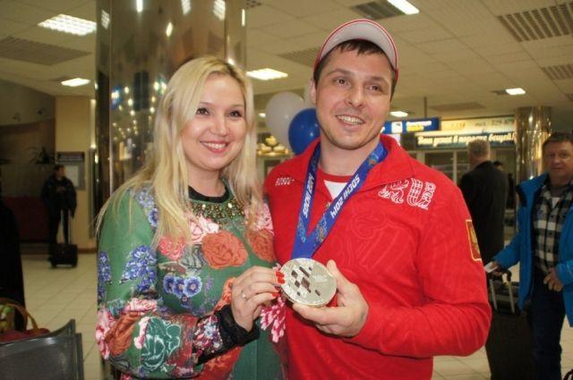 Константин с женой Ольгой