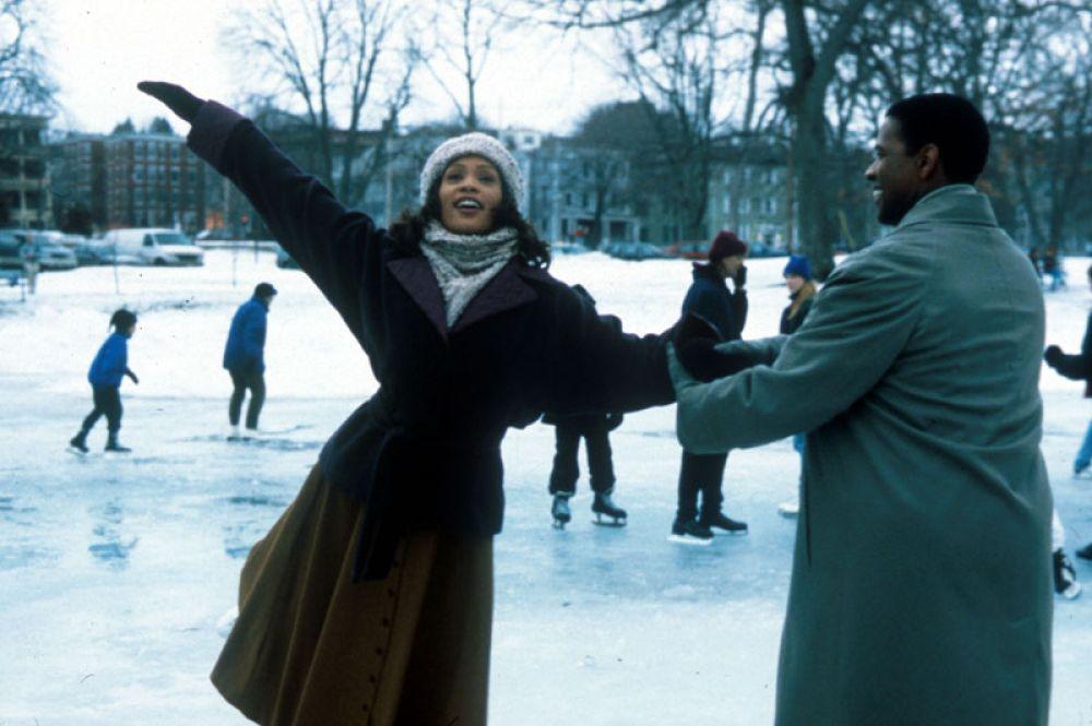 В фильме «Жена проповедника», 1996 год. Вместе с хором церкви Greater Rising Star из Атланты Уитни записала к картине саундтрек в стиле госпел.