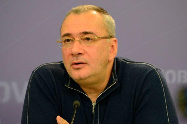 Константин Меладзе не смог выехать в Евросоюз из-за проблем с паспортом