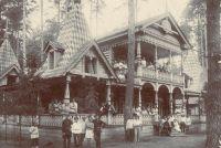 В этом тереме в Ахунах любили отдыхать наши предки.