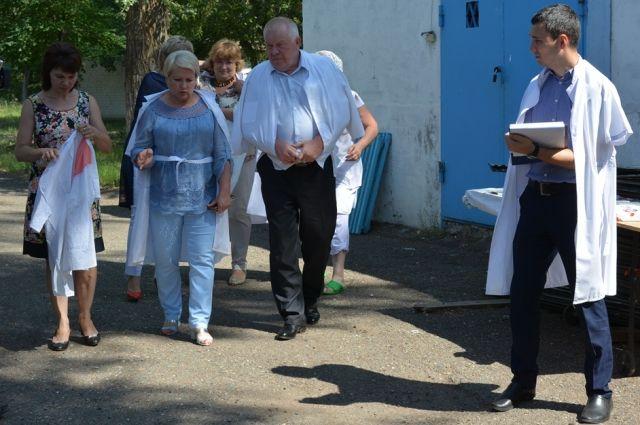 В Оренбурге депутаты городского Совета проверили детский лагерь «Юность».