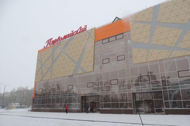 Здание с апреля опечатано.