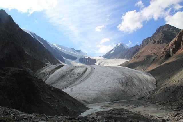 Вид на ледник Большой Актру.