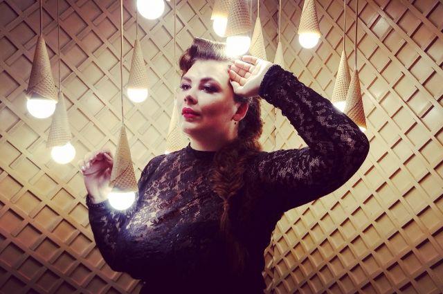 Оренбурженка прошла в финал конкурса красоты plussize моделей.