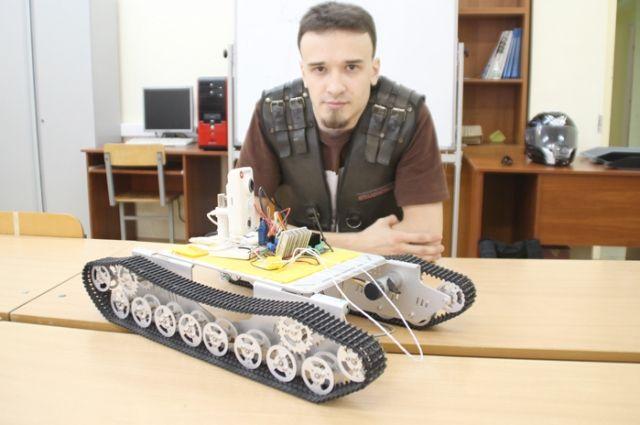 Корней учит роботов ориентироваться в пространстве.