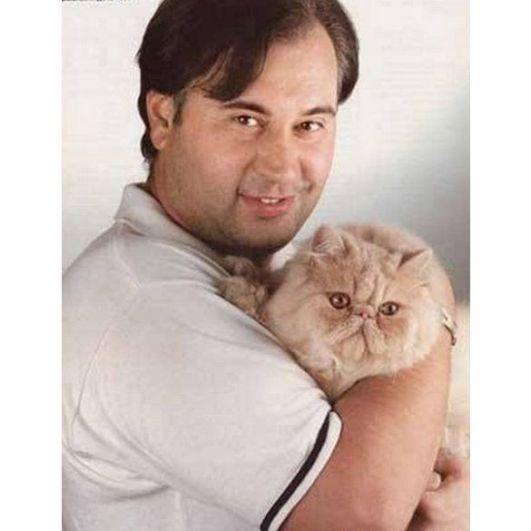 У Валерия Меладзе долгое время жил кот Сеня, которого тот приобрел на выставке кошек.