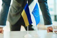 Евросоюз заморозит помощь Украине из-за отказа продлевать статус Донбасса