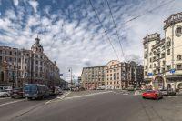 В Киеве хотят переименовать площадь Льва Толстого в честь украинского деятеля