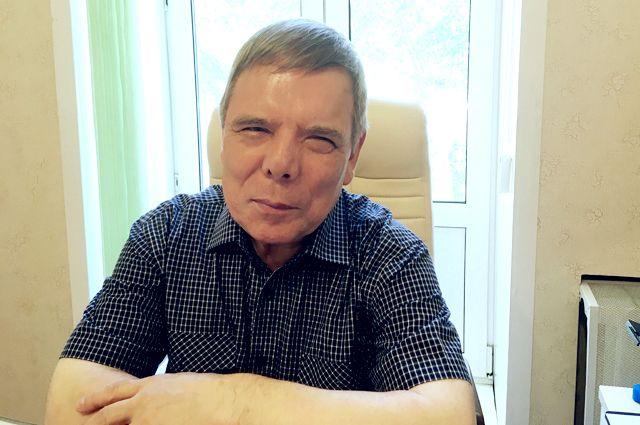 Слепота не помешала Эдуарду Иванову стать одним из самых успешных адвокатов в Казани.