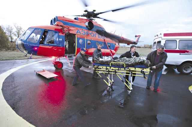Врачи краевой больницы спасли жизнь капитану речного флота.