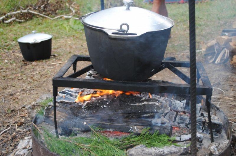 Еда, приготовленная на костре, - особенная.