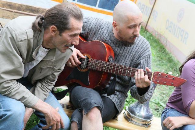 Завершится фестивальный день традиционными песнями у костра.