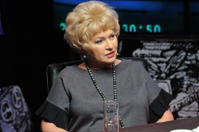 Людмила Нарусова опровергла мнение о 90-х, как поре сплошных бандитских разборок. «Это было  время глотка свободы и большого энтузиазма», - считает она.