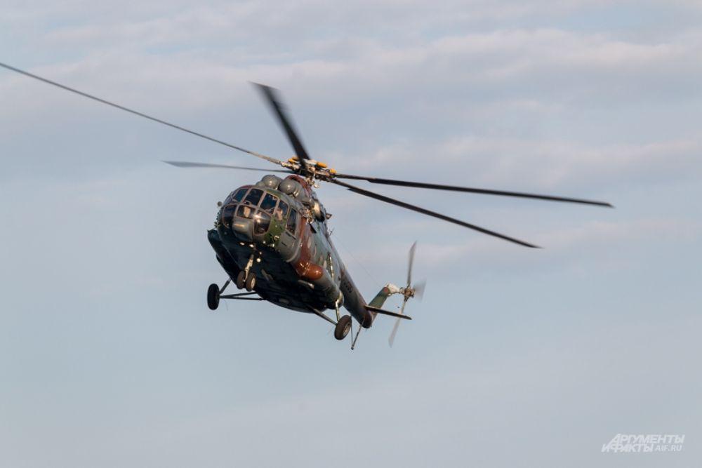 Мастерство продемонстрировали выпускаемые в Казани вертолеты Ми-8.