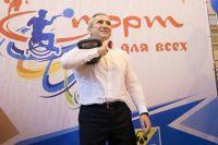 На фестивале спорта в Нижневартовске Александр Моор тягал гирю