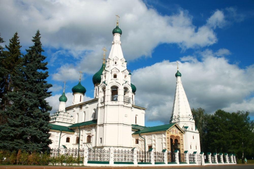 Церковь Ильи Пророка на Советской площади - один из символов города Ярославля.