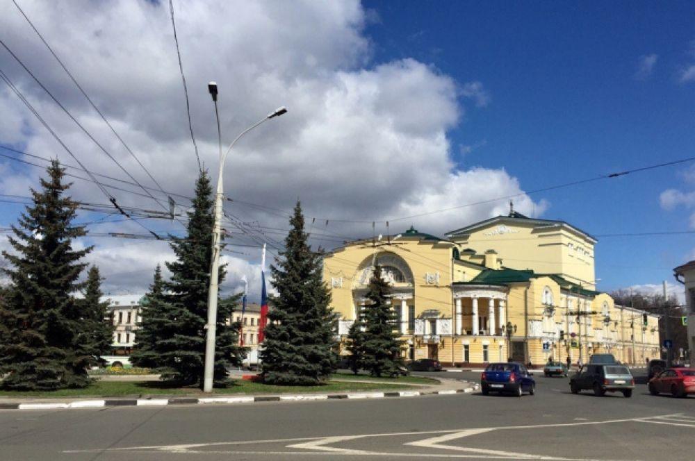 Старейший драматичекий театр в России - театр имени Федора Волкова.