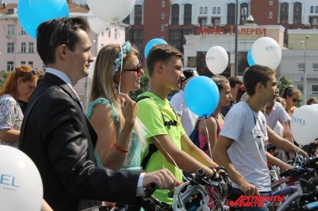 Велопрогулка собрала несколько десятков любителей велоспорта