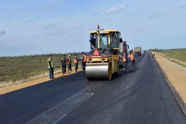Участок дороги «Надым – Салехард» помогают строить студенты