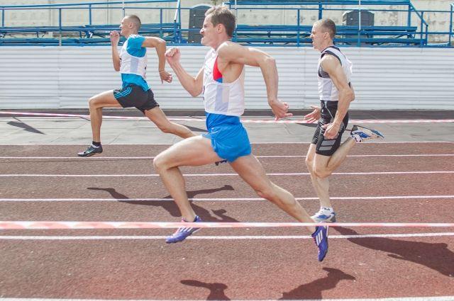 В программе соревнований– бег на 100, 400, 800 метров.