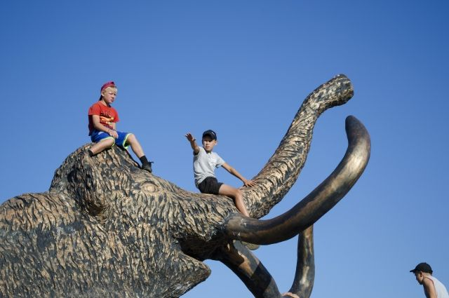 Именно в Мальте находится одна из наиболее известных из обнаруженных позднепалеолитических стоянок древних людей Сибири.