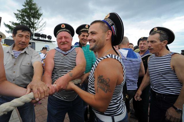 В Калининграде отметят День рождения русской тельняшки.