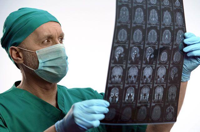 Нейрохирург Альберт Суфианов: «Будущее — за бесконтактным методом»