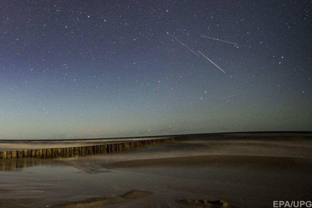 Пользователи Instagram опубликовали множество фотографий и видео метеорного потока.