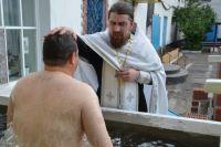В ИК-5 крестят полным погружением