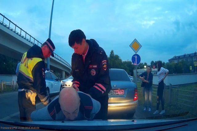 Пьяного тюменца на «Шкоде» остановили с помощью эвакуатора